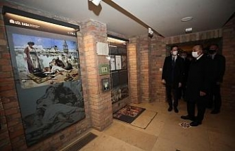 Dışişleri Bakanı Çavuşoğlu, Gül Baba Türbesi'ni ziyaret etti