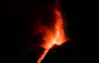 Etna Yanardağı, son bir haftada 6 kez faaliyete geçti