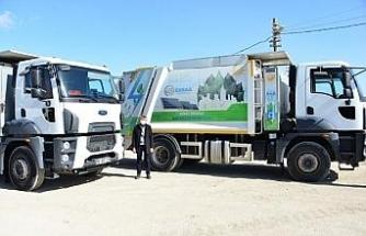 Hibrit çöp kamyonlarıyla yüzde 50 tasarruf sağlıyor