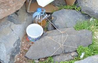 Kaybolan mama kaplarına ip ve taşlı çözüm