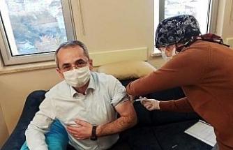 Kaymakam Pişkin, korona virüs aşısı oldu