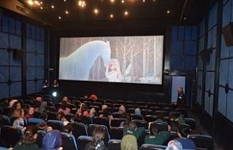 Mart ayında açılması hedeflenen sinema salonlarında tarih ertelendi