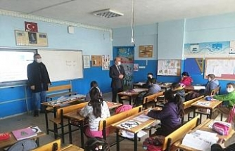 """Müdür Cebeci: """"Temennimiz okullarımızda yüz yüze eğitimin başlaması"""""""