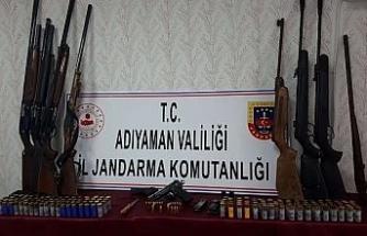 Silah ticareti yapan şahsın evine operasyon