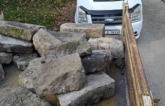 Taşları çalınan tarihi çeşme yeniden yapılacak