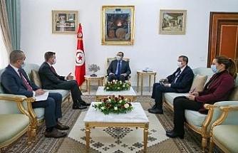 Tunus Başbakanı El-Meşişi görevi sona eren Türk Büyükelçi Onaner'i ağırladı