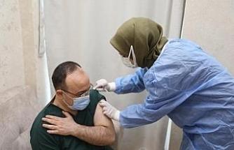 Vali Erkaya Yırık koronavirüs aşısı oldu