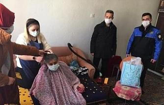 Yaşlı, engelli ve hastalara evde berber hizmeti