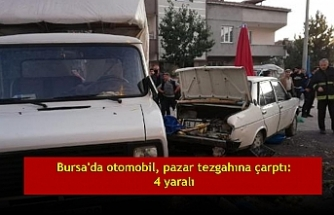 Bursa'da otomobil, pazar tezgahına çarptı: 4 yaralı