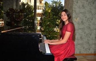 13 yaşındaki İlyun, Mozart'ın 13 numaralı konçertosunu çalacak