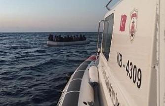 Çeşme açıklarında 25 kaçak göçmen kurtarıldı