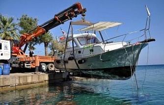 Datça'da fırtınada kuma saplanan tekne, 5 gün sonra çıkarıldı