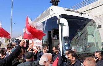 Erdoğan: Memur olarak görevinizi yaptığınız sürece bunların hiçbirisi kılınıza dokunamaz