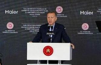 Erdoğan: Memur olarak görevinizi yaptığınız sürece hiçbiri kılınıza dokunamaz (2)