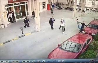Müzikholdeki kavga sonrası 1'i polis 2 kişinin yaralandığı anlar kamerada