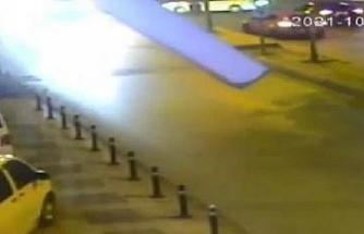Pendik'te 4 kişinin yaralandığı kaza anı kamerada