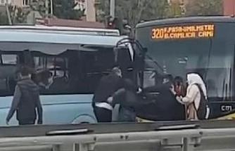Ümraniye'de trafik ışıklarında kavga