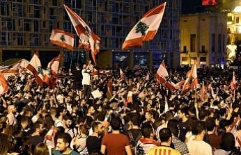 Lübnan'da Protestolara Devam Çağrısı
