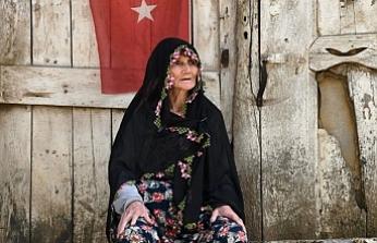 80 yaşındaki Mahmuriye nineden duygulandıran sözler