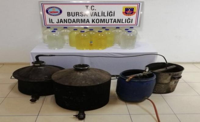 Bursa'da sahte içki üretilen eve jandarma baskını