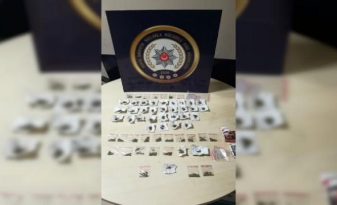 Narkotik Bursa'da uyuşturucunun boğazına yapıştı: 8 gözaltı