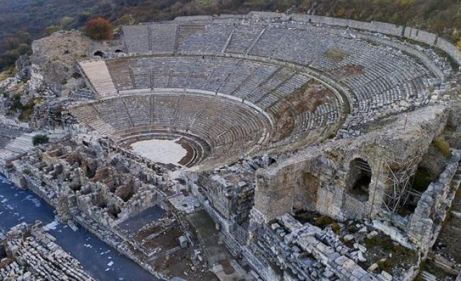 Turizmin göz bebeği efes antik kenti