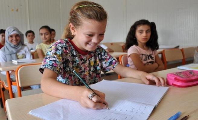Suriyeli çocuklara tam destek
