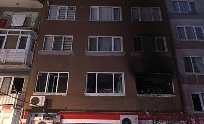 Babasına kızdı evini yaktı