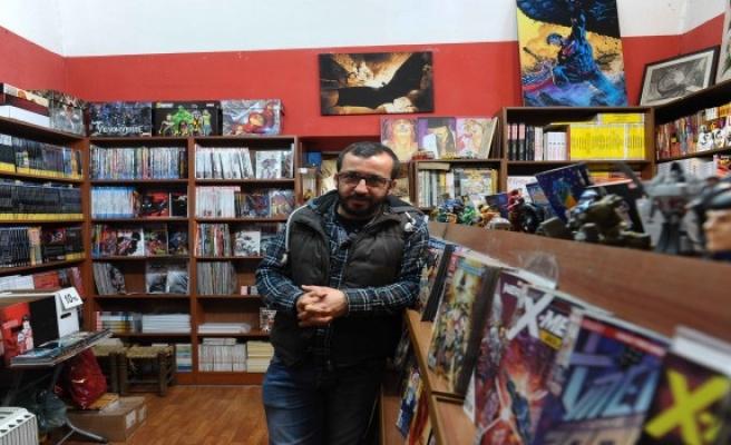 Çizgi romanlar Bursa'da rağbet görmeye devam ediyor.