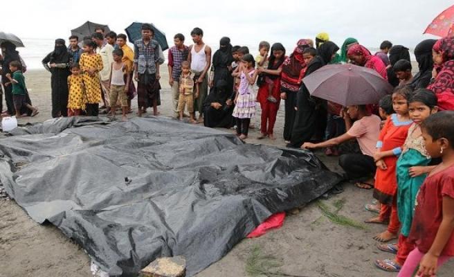 Arakan'da müslümanları  taşıyan tekne battı '23 ölü'