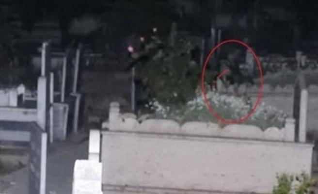 Türkiye onu konuşuyor... Geceleri mezarlıkta ağlayan kız bulundu