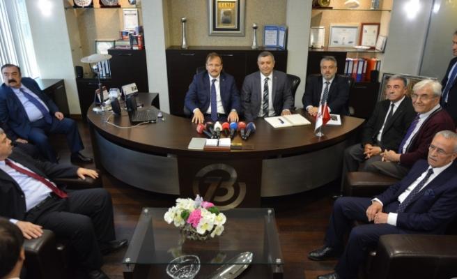 Başbakan Yardımcısı Çavuşoğlu çok sert konuştu: 'Kılıçdaroğlu bu milletin namusunu sattı'