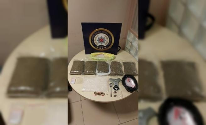 Bursa polisinden uyuşturucu satıcılarına şafak baskını