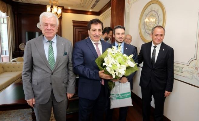 Bursaspor yeni yönetimi ile Vali Küçük'ün misafiri oldu