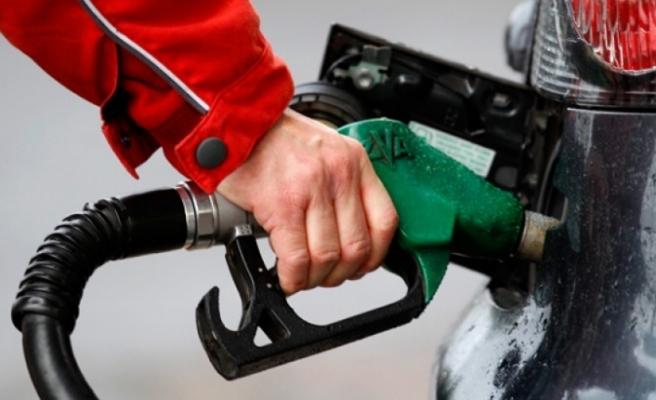 Dizel aracına benzin konuldu, tazminat kazandı