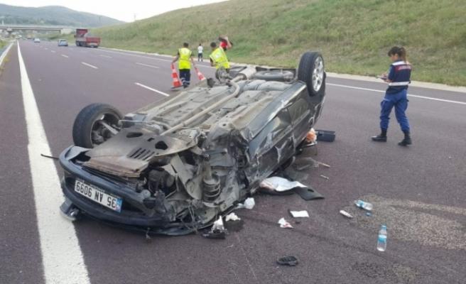 korkunç kaza... TIR'a çarpıp 4 takla attı