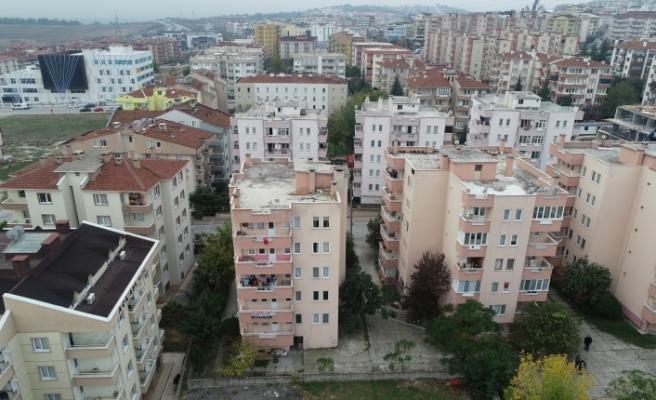 Bursa'da çökme tehlikesi olan bina havadan görüntülendi
