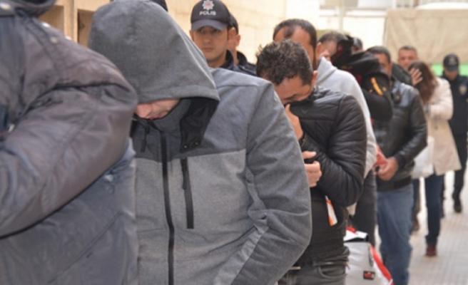 Kasko ve sigorta şirketlerini dolandıran şüphelilere operasyon: 22 gözaltı