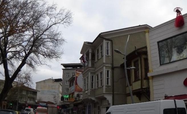 Bursa'da ilginç görüntü! Gören intihar sanıyor ama...