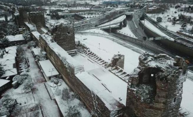 İstanbul'da gece boyunca kar yağdı! Yeni uyarı geldi...