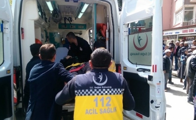 Bursa'da feci kaza! Kucağında torunuyla araba çarptı