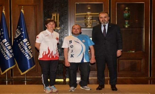 Başkan Aktaş'tan Bursalı sporcuya moral