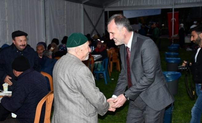 Başkan Taban Bursalılarla iç içe