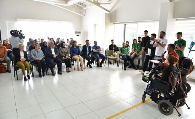 Bursa'da 'Engelsiz' dart heyecanı