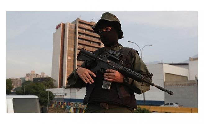 Darbeci muhalif Leopoldo Lopez'in evine baskın
