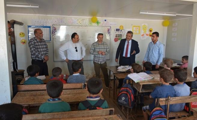 Elazığ'dan Suriye'deki okullara yardım
