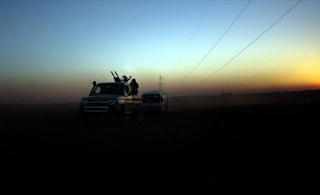 Esed rejimi güçleri İdlib il sınırına yaklaşıyor