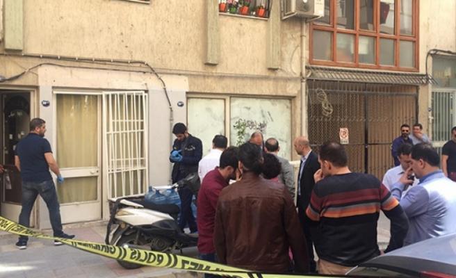 İzmir'de 2 genç ölü bulundu