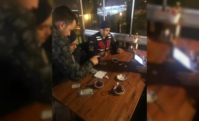 Jandarma 13 şüpheliyi yakaladı
