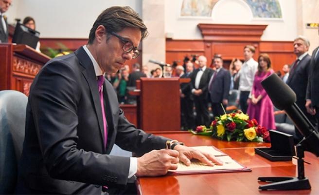 Kuzey Makedonya'nın yeni Cumhurbaşkanı görevi teslim aldı!